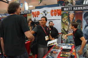 Marc Silvestri & MV shaking hands CC2014